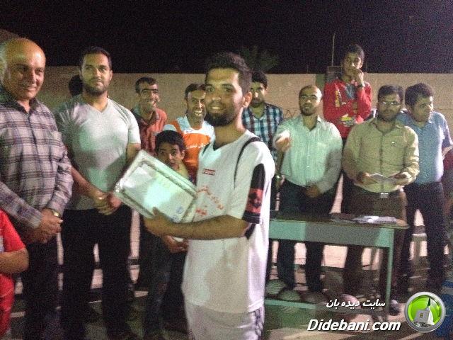 اهدای جایزه به کاپتان تیم سوم : اتحاد : محمد ابتهاج