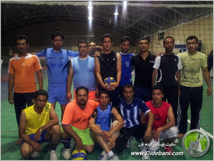 اعضای تیم های والیبال دیده بان و عمادشهر